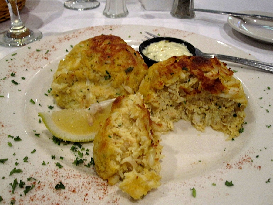 Mo's Crab and Pasta Factory Backfin Crab Cakes